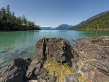 Zona remota de la Columbia Británica rodeada por la belleza Fotos de archivo libres de regalías