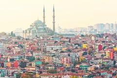 Zona residenziale densa di Istanbuls con la moschea di Suleymaniye Immagine Stock