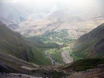 Zona verde alrededor de Muktinath durante monzón Fotografía de archivo