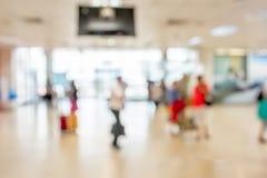 Zone de attente Blurred dans l'aéroport, utilisation comme fond Images stock