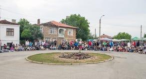 Zone rurale centrale pour des jeux de Nestenar dans le village des Bulgares Photos stock