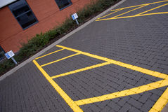 Zones de stationnement handicapées. Images libres de droits