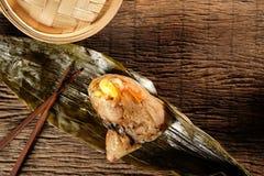 Zongzi lub tradycyjni chińskie Kleistego Rice kluchy Fotografia Royalty Free