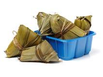 Zongzi; risgrynsgröt för traditionell kines som ätas under festival för drakefartyg royaltyfria foton