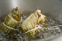 Zongzi in a wok Royalty Free Stock Photography
