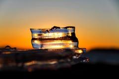 Zonlicht door het ijs. Stock Fotografie
