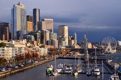 Zonlicht op Seattle, Washington Waterfront stock foto