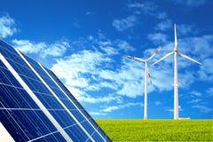 Zonne en windenergie royalty-vrije stock afbeeldingen