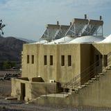 Zonne-energie in woestijn stock foto's