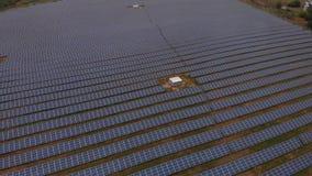 Zonne-energiegeneratie stock video