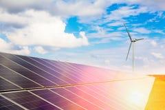 Zonne macht en de Macht van de Wind Stock Foto