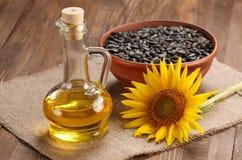 Zonnebloemolie, zaad en zonnebloem Royalty-vrije Stock Fotografie