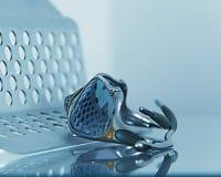 Zonnebril die met vertoningstribune wordt geïsoleerd Royalty-vrije Stock Foto's