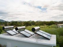 Zonnecellenenergie in de aard Royalty-vrije Stock Foto