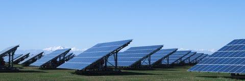 Zonneelektrische centrale: groene energie van de Zon Stock Afbeeldingen