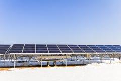 Zonnemachtspanelen, Photovoltaic modules voor innovatie groen e royalty-vrije stock foto's