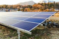 Zonnemachtspanelen, Photovoltaic modules voor innovatie groen e royalty-vrije stock fotografie