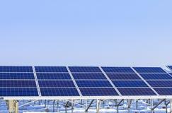 Zonnemachtspanelen, Photovoltaic modules voor innovatie groen e royalty-vrije stock afbeeldingen