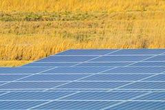 Zonnemachtspanelen, Photovoltaic modules voor innovatie groen e stock foto
