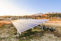 Zonnemachtspanelen, Photovoltaic modules voor innovatie groen e royalty-vrije stock afbeelding