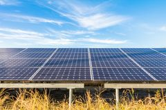 Zonnemachtspanelen, Photovoltaic modules voor innovatie groene en Royalty-vrije Stock Afbeelding