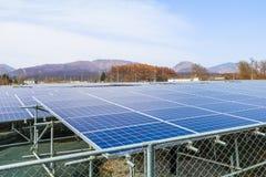 Zonnemachtspanelen, Photovoltaic modules voor innovatie groene en Royalty-vrije Stock Afbeeldingen
