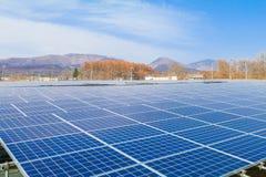 Zonnemachtspanelen, Photovoltaic modules voor innovatie groene en Stock Afbeeldingen