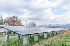 Zonnemachtspanelen, Photovoltaic modules voor innovatie groene en royalty-vrije stock foto's
