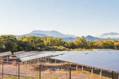 Zonnemachtspanelen, Photovoltaic modules voor innovatie groene en stock foto's