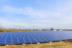 Zonnemachtspanelen, Photovoltaic modules voor innovatie groene energie royalty-vrije stock foto