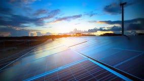 Zonnepaneel, photovoltaic, alternatieve elektriciteitsbron - selectieve nadruk, exemplaarruimte royalty-vrije stock fotografie