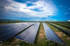 Zonnepaneel Schone energie van Thailand stock foto's