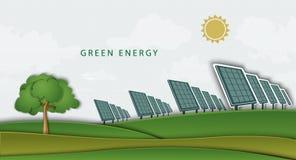 Zonnepanelen, batterijen, op schoon gebied Concept Stock Fotografie