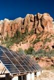 Zonnepanelen in de woestijn Stock Fotografie
