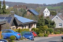 Zonnepanelen in Duitse stad Royalty-vrije Stock Afbeeldingen