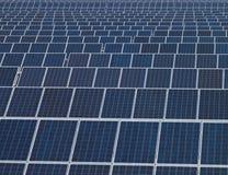 Zonnepanelen, vernieuwbare energie Stock Afbeeldingen