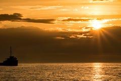 Zonnestraal bij Zonsopgang over Meer Ontario royalty-vrije stock foto's