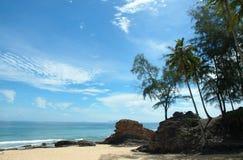 Zonnig strand Stock Foto's