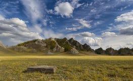 Zonnige dag in de bergen Royalty-vrije Stock Foto