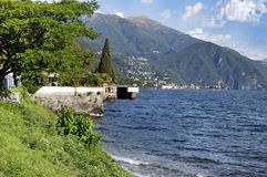 Zonnige dag op Como-meerkust royalty-vrije stock foto