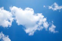 Zonnige dag, zonneschijn, blauwe hemel, Royalty-vrije Stock Foto