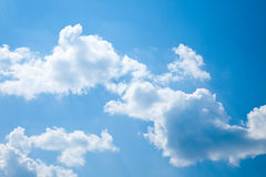 Zonnige dag, zonneschijn, blauwe hemel, Stock Afbeeldingen