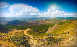Zonnige de bergvallei van de Krim Royalty-vrije Stock Foto