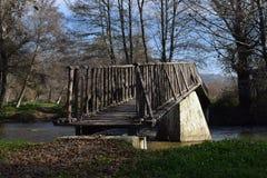 Zonnige de dag kleine rivier van de rivierbrug mesopotamië Royalty-vrije Stock Foto's
