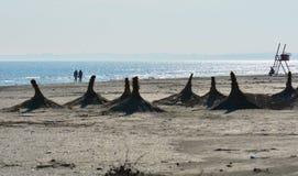 Zonnige de herfstochtend op de kust van de Zwarte Zee bij Navodari-strand Stock Foto's