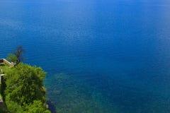 Zonnige de zomerdag bij het Meer Ohrid in Macedonië Royalty-vrije Stock Afbeelding