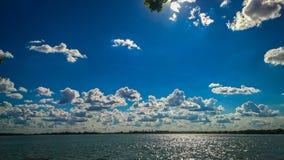 Zonnige hemel met cluds Stock Fotografie