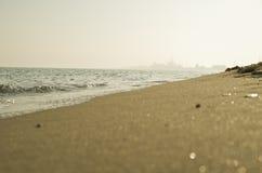 Zonnige kust Stock Afbeeldingen