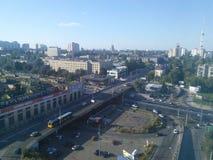 Zonnige stad in de vuistdag van de herfst Stock Foto