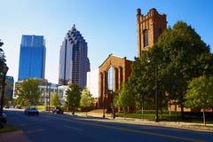 Zonnige straat in Atlanta, GA Stock Foto's